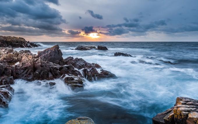 Waves crashing at Kullaberg