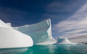 HD Icebergs Drifting